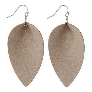 Jewelry - Faux leather earring